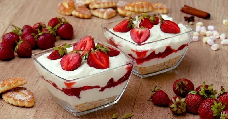 Десерт с клубникой и творогом: буквально за 15 минут