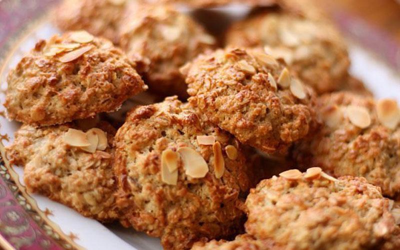 Овсяное печенье с орехами: Содержат большое количество витаминов и минеральных веществ